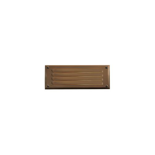 Outdoor step light LOUVERED